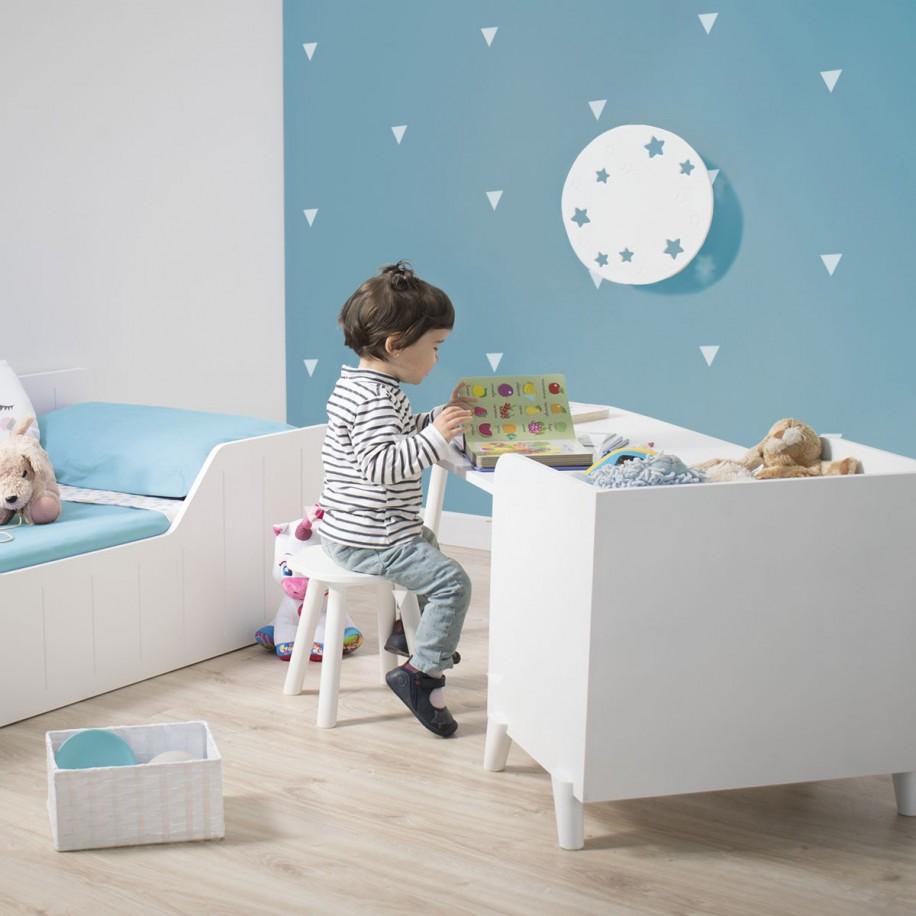 Chambre avec applique murale enfant Lune