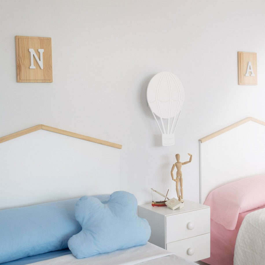 Table de chevet enfant suspendue chambre deux lits
