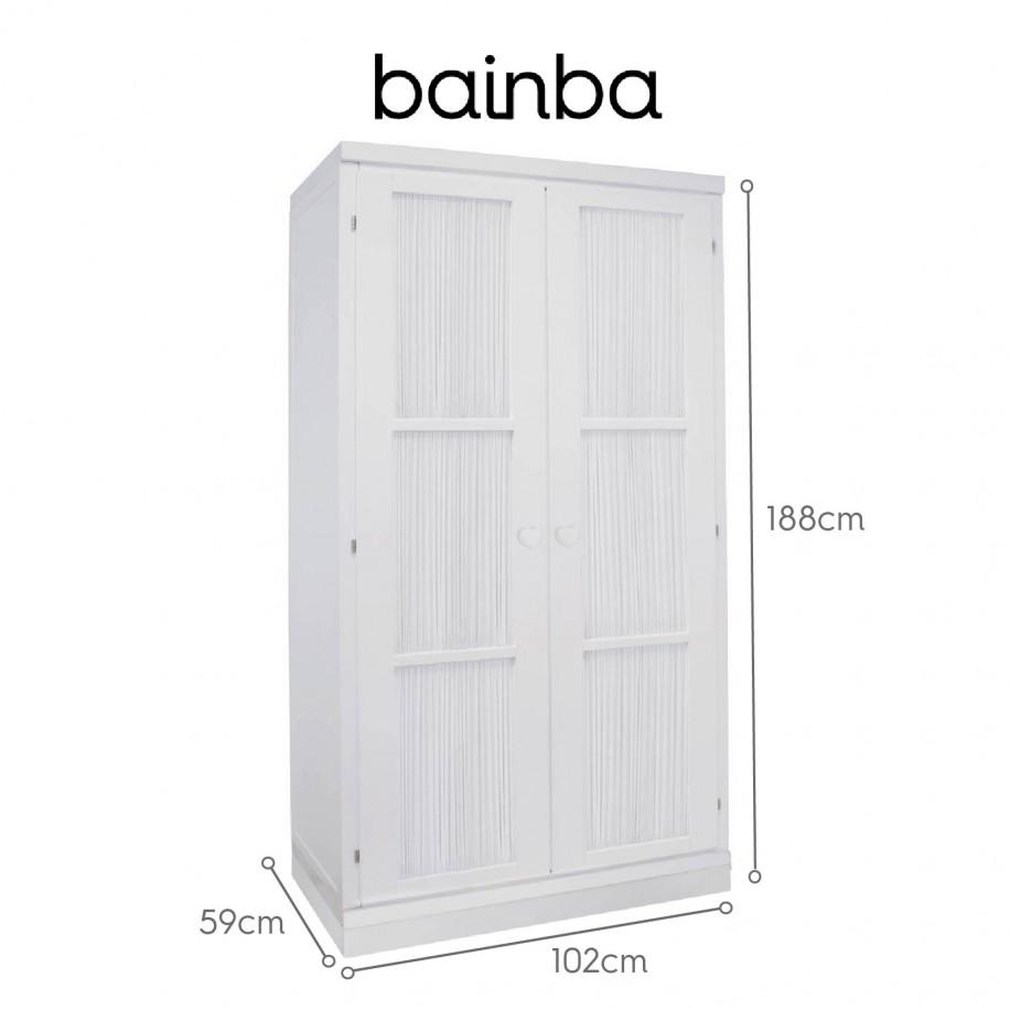 Dimensions armoire portes avec rideau blanc sur socle